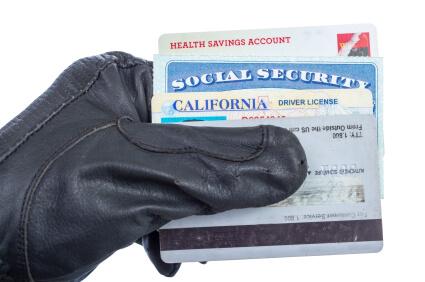 Jak chronić swoje dane przed kradzieżą i wyłudzeniem?