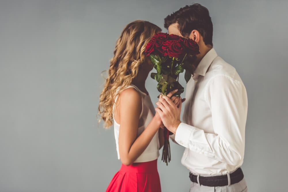 Zakochani są wszędzie. Walentynki zbliżają się wielkimi krokami.