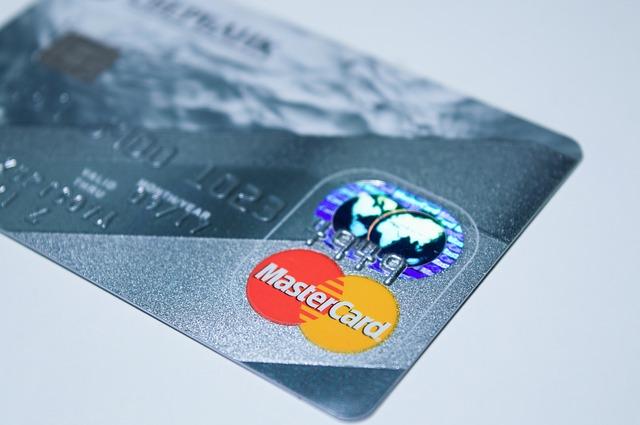 diferencias entre las tarjetas de crédito y de débito